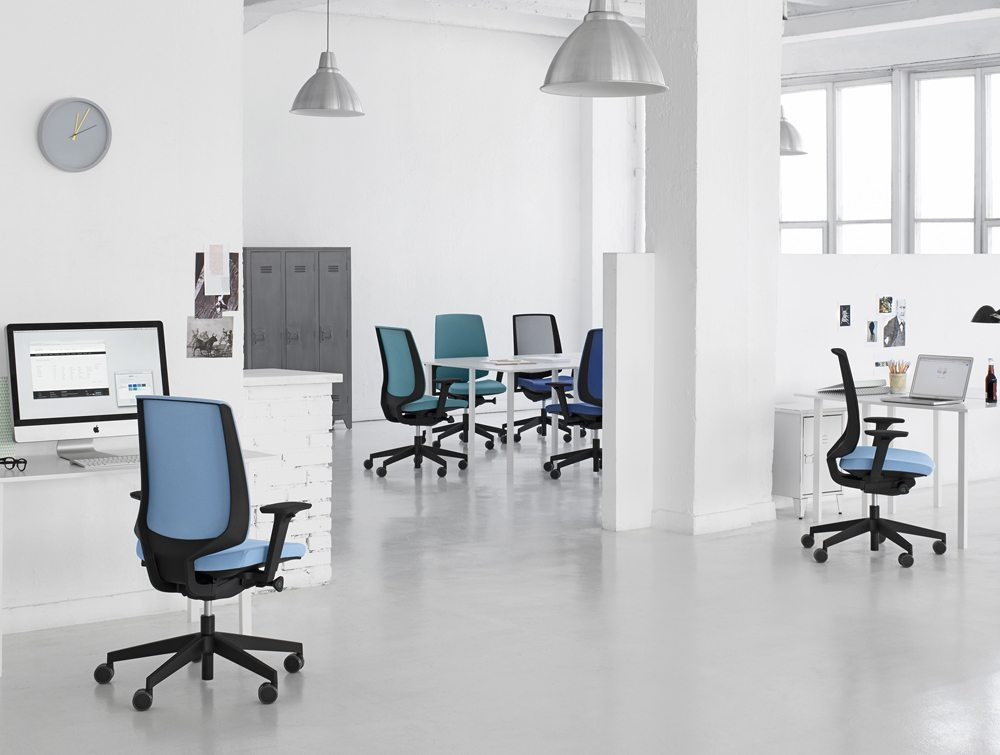 Profim LightUp Ergonomic Armchair in an Office