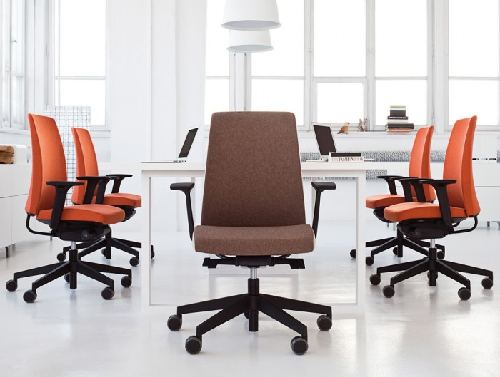 Profim Motto Ergonomic Chair for Modern Working Space with White Office Furniture