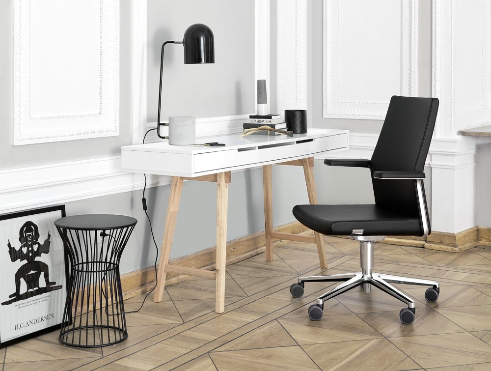 Profim MyTurn Executive Chair in an Office
