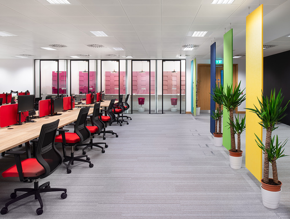 Social Talent Office Layout Acoustic Phone Booths with Mickey Stool and Fluffo Acoustic Panels