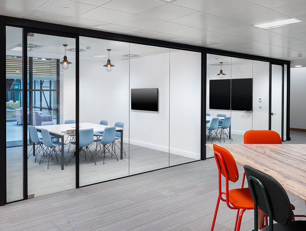 Social Talent Office Layout Meeting Rooms with Gaber Alhambra Chair and White Meeting Table