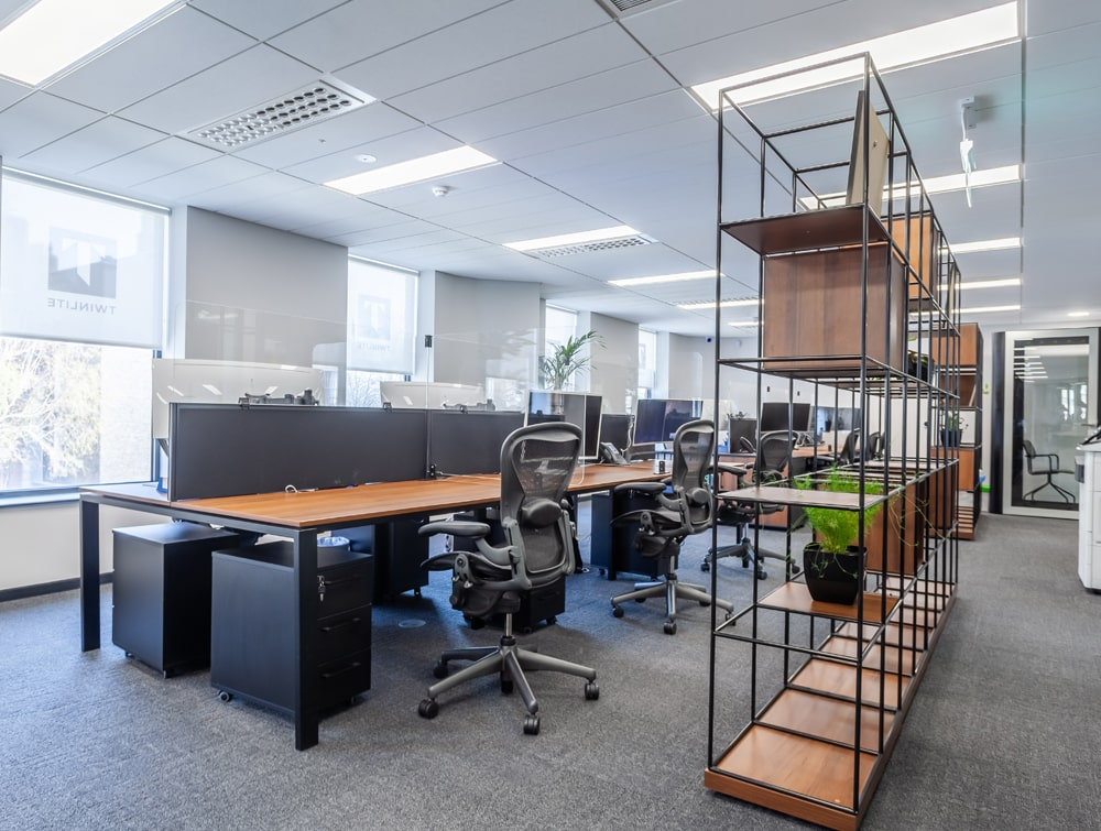 Twinlite Office Back to Back Desks with Screens and Ergonomic Mesh Chairs