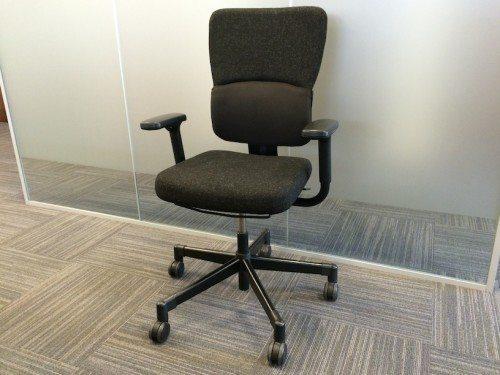 Used Steelcase Let's B black swivel office chair 1