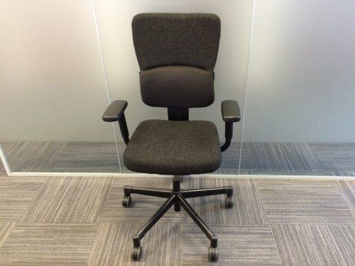Used Steelcase Let's B black swivel office chair 13