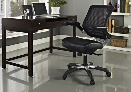 leather ergonomic chair with mesh back in home office