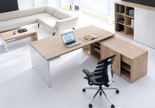 Executive Corner Desk in Maple
